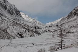 Долина Хубуты. Приятная наледь, мало снега
